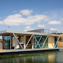 Casa flotante por Go Friday