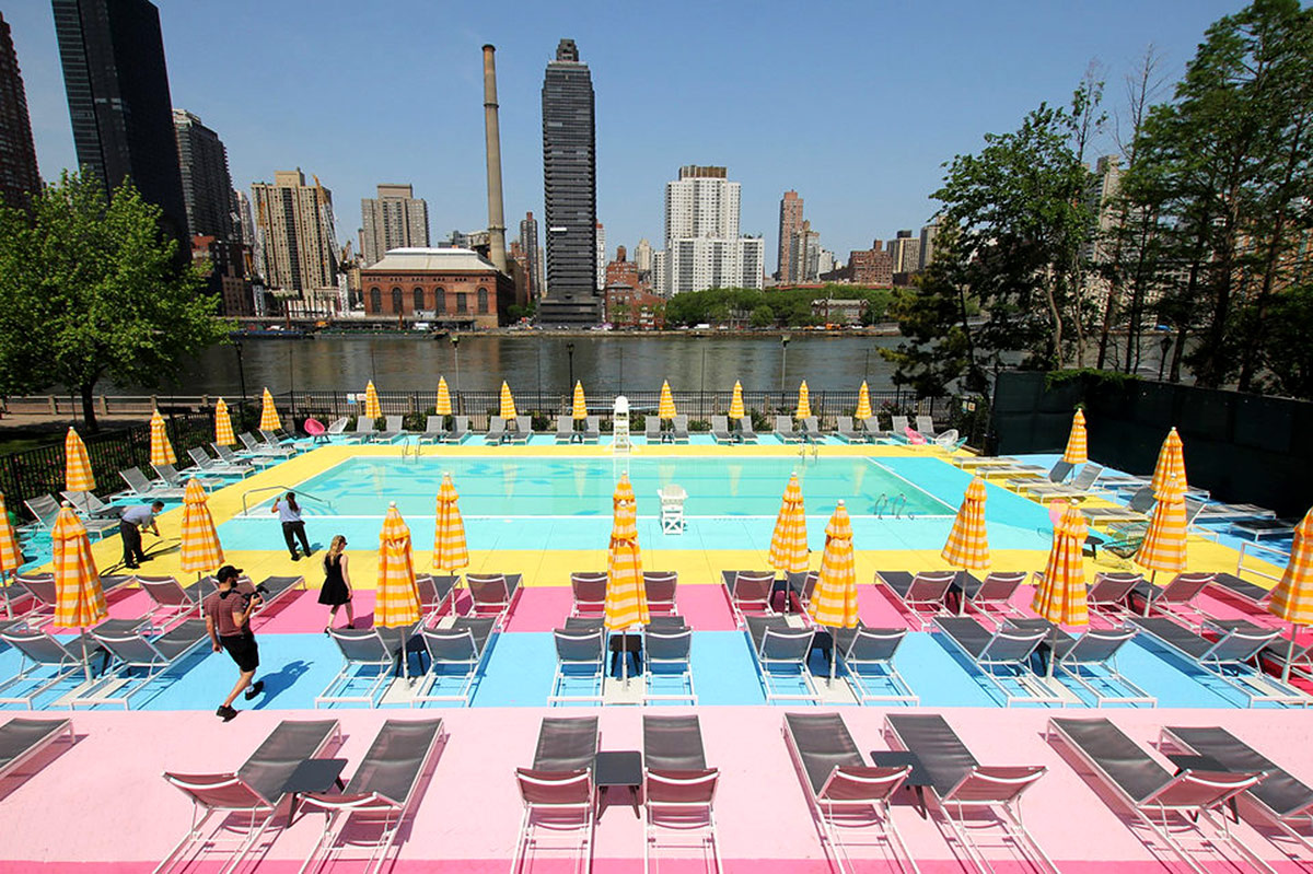 Piscina colorida en Nueva York